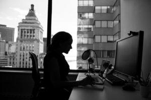 【事務職】ブラウザ閲覧やグループウェアが多いフルタイムワーカーに必要なインターネット環境