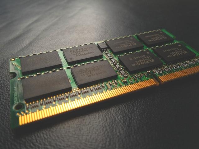 PC購入時にメモリ容量は選べる?