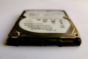 ハードディスクやSSDとは、データの保存場所
